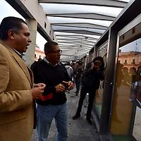 Toluca, México (Febrero  08, 2019).- Por segunda ocasión fue montada la exposición FOTOLUCA en esta ocasión en la Plaza González Arratia, la muestra conformada por 48 fotografias, trabajo de 19 fotoperiodistas.  Agencia MVT / Crisanta Espinosa.