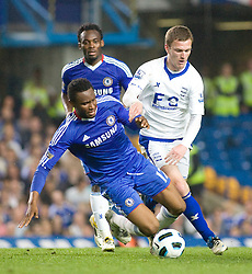 20.04.2011, Stamford Bridge, London, ENG, PL, FC Chelsea vs Birmingham City, im Bild Chelsea's John Mikel Obi is fouled by Birmingham City's Craig Gardner, English Premier League, Stamford Bridge, Chelsea v Birmingham City, 20/04/2011. EXPA Pictures © 2011, PhotoCredit: EXPA/ IPS/ Mark Greenwood +++++ ATTENTION - OUT OF ENGLAND/UK and FRANCE/FR +++++
