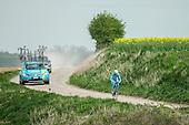 2015.04.17 - Roubaix - Nibali recon. cobbles