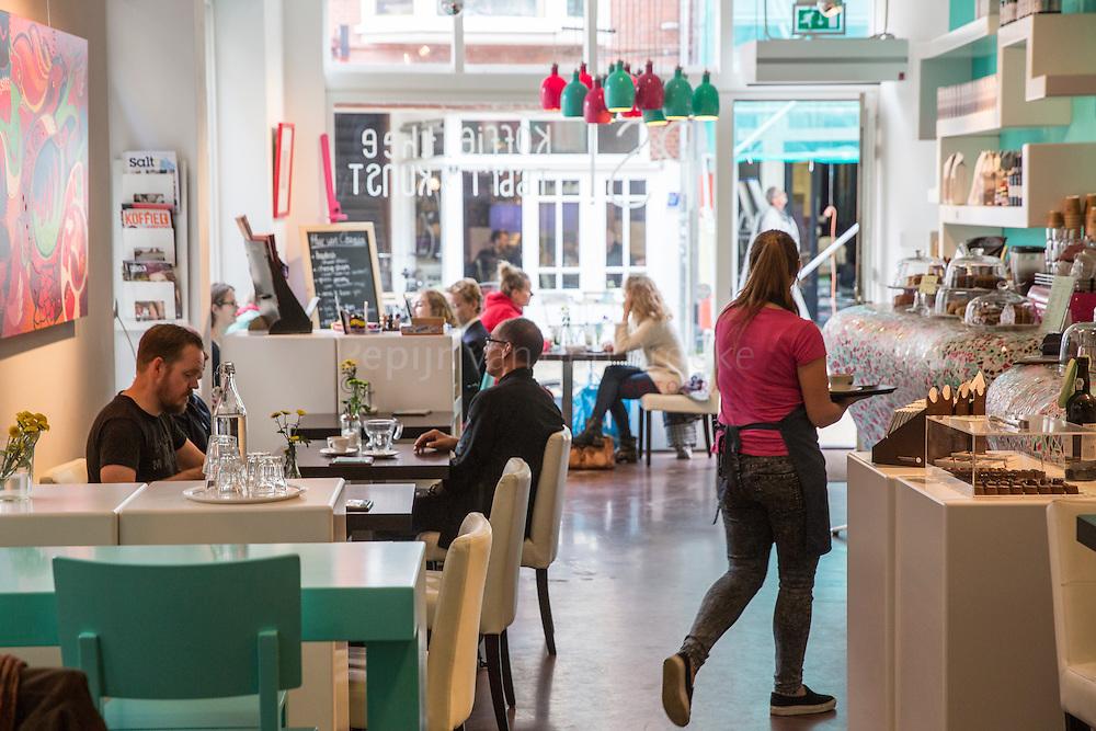 Groningen 20141020. Koffiezaak PS! Koffie, kunst & chocola. Oude Kijk in 't Jatstraat 24. foto: Pepijn van den Broeke