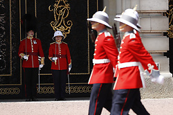 © Licensed to London News Pictures. 26/06/2017. London, UK. Captain Megan Couto of the 2nd Battalion, Princess Patricia's Canadian Light Infantry becomes the first woman to command the Queen's Guard at Buckingham Palace. The Canadian Light Infantry are taking part in the Changing of the Guard Ceremony as part of the 150th anniversary of the founding of the nation of Canada. Photo credit: Peter Macdiarmid/LNP