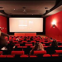 nella foto: Sala Cinema e visione giornalieri 35 mm e Digital Video..Il Cineporto Torino nato dal recupero dell'ex cotonificio Cologno di via Cagliari. La cittadella del cinema ospita gli uffici della Film Commission e gli spazi di servizio per ospitare fino a 5 produzioni in contemporanea.