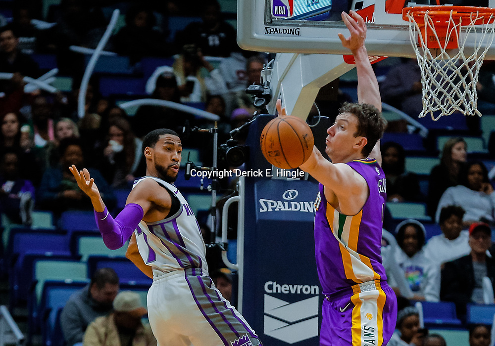 Jan 30, 2018; New Orleans, LA, USA; New Orleans Pelicans center Omer Asik (3) knocks the ball away from Sacramento Kings guard Garrett Temple (17) during the fourth quarter at the Smoothie King Center. The Kings defeated the Pelicans 114-103. Mandatory Credit: Derick E. Hingle-USA TODAY Sports