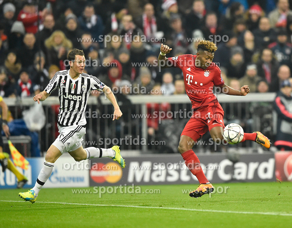 16.03.2016, Allianz Arena, Muenchen, GER, UEFA CL, FC Bayern Muenchen vs Juventus Turin, Achtelfinale, Rueckspiel, im Bild David Alaba FC Bayern Muenchen am Ball gegen Stephan Lichtsteiner Juventus Turin (links) Zweikampf, Aktion // during the UEFA Champions League Round of 16, 2nd Leg match between FC Bayern Munich and Juventus FC at the Allianz Arena in Muenchen, Germany on 2016/03/16. EXPA Pictures &copy; 2016, PhotoCredit: EXPA/ Eibner-Pressefoto/ Weber<br /> <br /> *****ATTENTION - OUT of GER*****