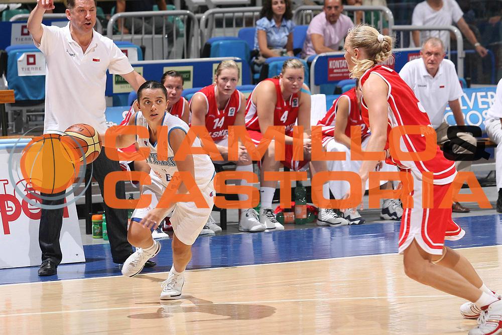 DESCRIZIONE : Bologna Qualificazione Eurobasket Women 2009 Italia Polonia <br /> GIOCATORE : Angela Gianolla <br /> SQUADRA : Nazionale Italia Donne <br /> EVENTO : Raduno Collegiale Nazionale Femminile<br /> GARA : Italia Polonia Italy Poland <br /> DATA : 30/08/2008 <br /> CATEGORIA : penetrazione <br /> SPORT : Pallacanestro <br /> AUTORE : Agenzia Ciamillo-Castoria/M.Marchi <br /> Galleria : Fip Nazionali 2008 <br /> Fotonotizia : Bologna Qualificazione Eurobasket Women 2009 Italia Polonia <br /> Predefinita :