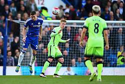 Gary Cahill of Chelsea in action - Mandatory byline: Jason Brown/JMP - 16/04/2016 - FOOTBALL - London, Stamford Bridge - Chelsea v Manchester City - Barclays Premier League