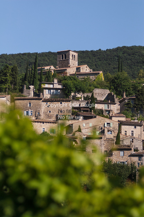 France, Auvergne-Rhône-Alpes, Drôme (26), village de Mirmande classé parmis les Plus beaux village de France // France, Auvergne Rhone Alpes region, department of Drome, village of Mirmande on the label most beautifull village of France