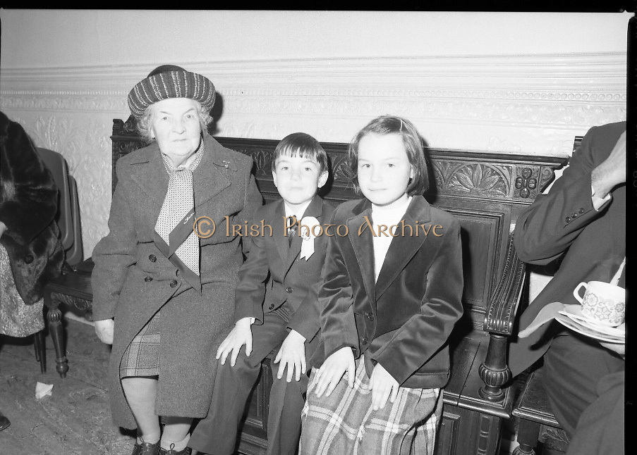 Sean Lemass 9th Anniversary Memorial Mass..1980-05-11.11th May 1980.11-05-1980.05-11-80..Photographed at the Carmelite Priory Whitefriar Street...Kathleen Lemasss, widow of former Taoiseach  Sean Lemass..