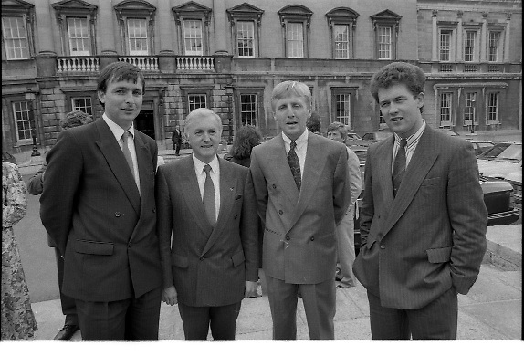 Dail Resumes After General Election.  (T3)..1989..29.06.1989..06.29.1989..29th June 1989..After the general election  members of the 26th Dáil arrived in Leinster House, Dublin to take their seats in the parliamentary chamber...Image shows newly elected TD's arriving at Dáil Éireann to take their seats in the chamber.