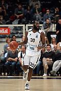DESCRIZIONE : Trento Eurocup 2015-16 Dolomiti Energia Trento Dominion Bilbao Basket<br /> GIOCATORE : Julian Wright<br /> CATEGORIA : palleggio<br /> SQUADRA : Dolomiti Energia Trento<br /> EVENTO : Eurocup 2015-2016 <br /> GARA : Dolomiti Energia Trento - Dominion Bilbao Basket<br /> DATA : 11/11/2015 <br /> SPORT : Pallacanestro <br /> AUTORE : Agenzia Ciamillo-Castoria/L.Savorelli<br /> Galleria : Eurocup 2015-2016 <br /> Fotonotizia : Trento Eurocup 2015-16 Dolomiti Energia Trento - Dominion Bilbao Basket