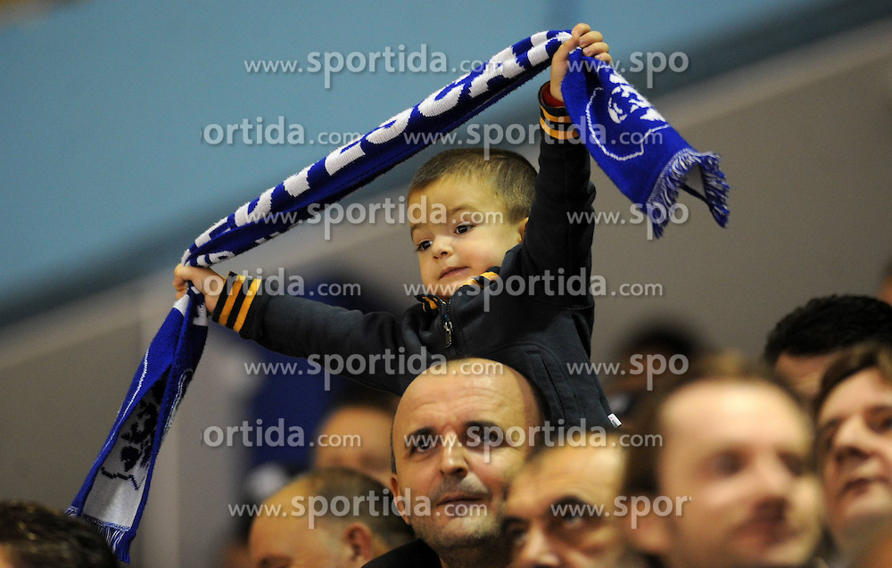 27.10.2011, Dom Sportova, Zagreb, CRO, EBEL, KHL Medvescak Zagreb vs EHC Liwest Black Wings Linz, im Bild Fans // during EBEL league icehockey match between KHL Medvescak Zagreb and EHC Liwest Black Wings Linz at Dom Sportova, Zagreb, Croatia on 27/11/2011. EXPA Pictures © 2011, PhotoCredit: EXPA/ nph/ PIXSELL /Daniel Kasap..***** ATTENTION - OUT OF GER, CRO *****