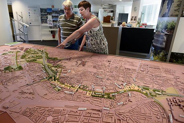 Nederland, Maastricht, 6-8-2013Aanleg van de tunnels in de A2 door een deel van de stad. In het infocentrum kan een maquette van hety project worden bekeken. informatiecentrumFoto: Flip Franssen/Hollandse Hoogte