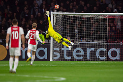 10-04-2019 NED: Champions League AFC Ajax - Juventus,  Amsterdam<br /> Round of 8, 1st leg / Ajax plays the first match 1-1 against Juventus during the UEFA Champions League first leg quarter-final football match / Andre Onana #24 of Ajax