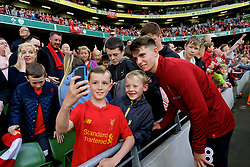 DUBLIN, REPUBLIC OF IRELAND - Saturday, August 5, 2017: Liverpool's Ben Woodburn poses for photographs with the supporters after a preseason friendly match between Athletic Club Bilbao and Liverpool at the Aviva Stadium. (Pic by David Rawcliffe/Propaganda)