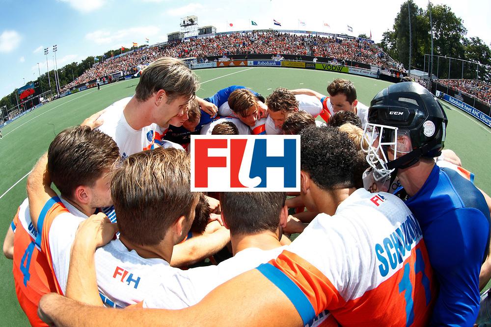 BREDA - teamhuddle Oranje  bij  de Hockey Champions Trophy. Nederland-India (1-1) .  COPYRIGHT KOEN SUYK