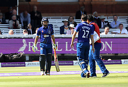 Gloucestershire's Geraint Jones walks out to bat for the final time before he retires - Mandatory byline: Robbie Stephenson/JMP - 07966 386802 - 19/09/2015 - Cricket - Lord's Cricket Ground - London, England - Gloucestershire CCC v Surrey CCC - Royal London One-Day Cup Final
