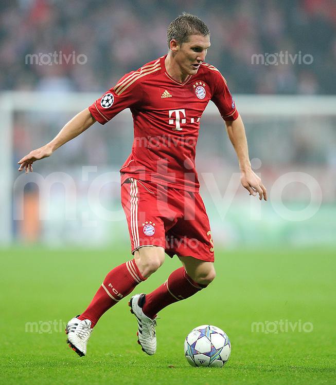 FUSSBALL   CHAMPIONS LEAGUE   SAISON 2011/2012     02.11.2011 FC Bayern Muenchen - SSC Neapel Bastian Schweinsteiger (FC Bayern Muenchen)