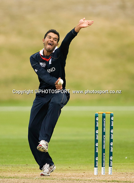 England captain Azeem Rafiq bowling. New Zealand v England, U19 Cricket World Cup SL 7th-8th Place, Village Green, QEII, Christchurch, Tuesday 26 January 2010. Photo : Joseph Johnson/PHOTOSPORT