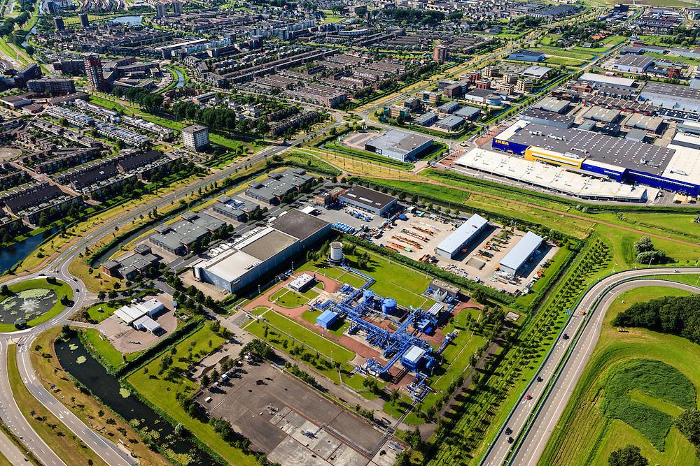 Nederland, Zuid-Holland, Barendrecht, 15-07-2012; Carnisselande, Vaanpark. NAM locatie Barendrecht met gasbehandelingsinstallatie...QQQ.luchtfoto (toeslag), aerial photo (additional fee required).foto/photo Siebe Swart