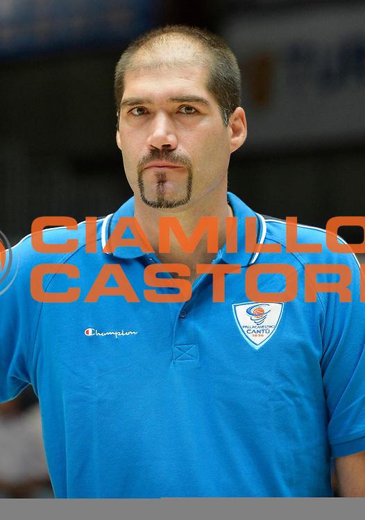 DESCRIZIONE : Cantu' Lega A 2013-14 Raduno pallacanestro Cantu'<br /> GIOCATORE : Roberto Ghiacic<br /> CATEGORIA : ritratto<br /> SQUADRA : Pallacanestro Cantu'<br /> EVENTO : Campionato Lega A 2013-2014<br /> GARA : Raduno pallacanestro Cantu'<br /> DATA : 25/08/2013<br /> SPORT : Pallacanestro <br /> AUTORE : Agenzia Ciamillo-Castoria/R.Morgano<br /> Galleria : Lega Basket A 2012-2013  <br /> Fotonotizia : Cantu' Lega A 2013-14 Raduno pallacanestro Cantu'<br /> Predefinita :