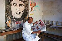 Inde, Etat du Kerala, Kochi ou Cochin, Fort Cochin le centre historique, salle de lecture du parti communiste local // India, Kerala State, Fort cochin or Kochi, reading hall of communist party