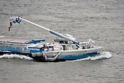 Nederland, Nijmegen, 2-3-2018 Een binnenvaartschip heeft een met ijs en ijspegels bedekte boeg door het bevriezen van het buiswater door de vorst en ijzige wind . Foto: Flip Franssen