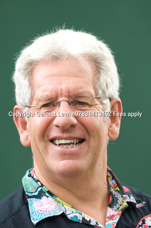 Adam Hart-Davis,TV Presenter and energetic lover of inventions and their history. 25/8/07. CREDIT Geraint Lewis