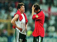 Fotball<br /> EM 2000 - Euro 2000<br /> Foto: Witters/Digitalsport<br /> NORWAY ONLY<br /> <br /> Lothar MATTHÄUS<br /> Mehmet SCHOLL<br /> Portugal - Tyskland 3:0