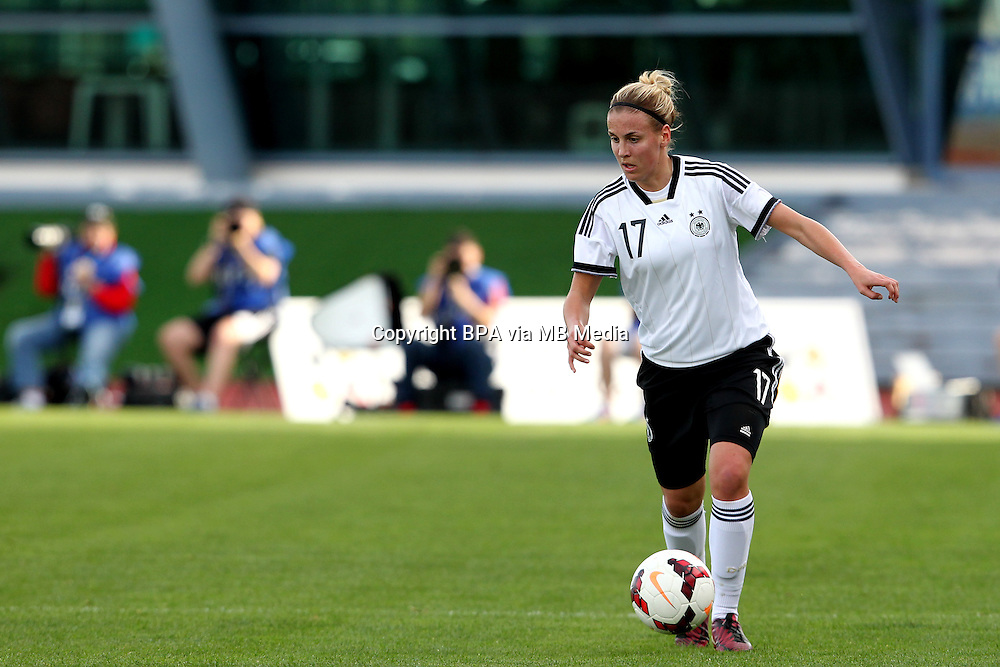 Fifa Womans World Cup Canada 2015 - Preview //<br /> Algarve Cup 2015 Tournament ( Vila Real San Antonio Sport Complex - Portugal ) - <br /> Germany vs Sweden 2-4   - Jennifer Cramer of Germany