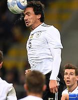 Fussball International Testspiel in Mailand Italien -  Deutschland        15.11.2016 Platsch: Mats Hummels (Deutschland) klaert mit dem Kopf