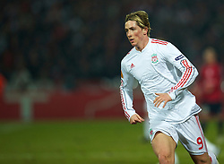 LILLE, FRANCE - Thursday, March 11, 2010: Liverpool's Fernando Torres in action against LOSC Lille Metropole during the UEFA Europa League Round of 16 1st Leg match at the Stadium Lille-Metropole. (Photo by David Rawcliffe/Propaganda)
