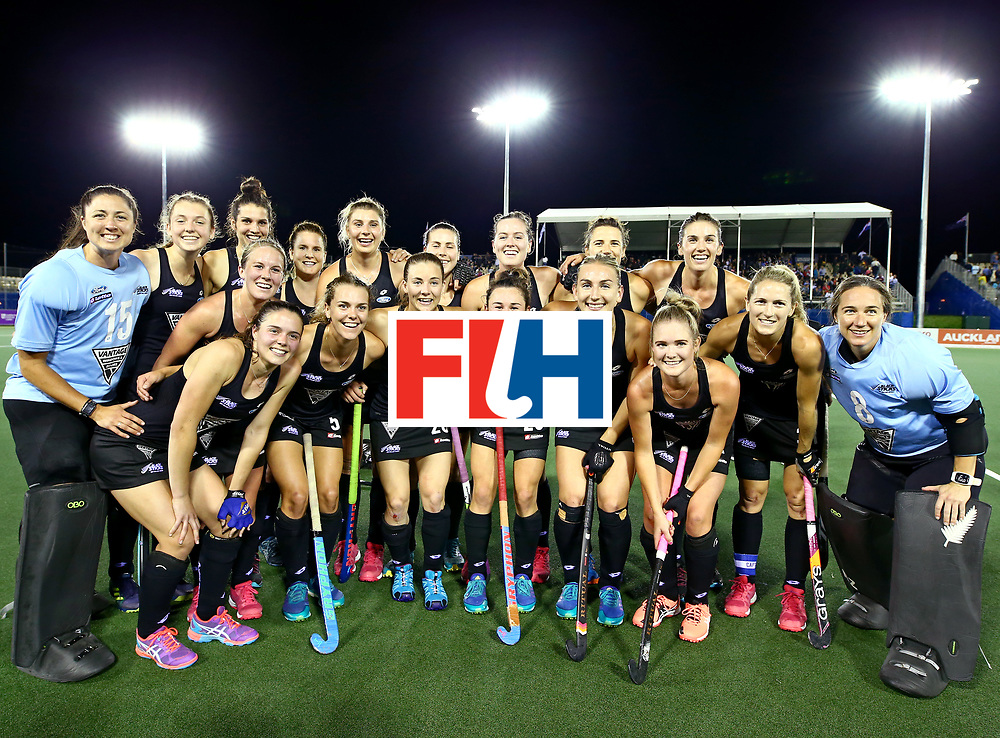 New Zealand, Auckland - 24/11/17  <br /> Sentinel Homes Women&rsquo;s Hockey World League Final<br /> Harbour Hockey Stadium<br /> Copyrigth: Worldsportpics, Rodrigo Jaramillo<br /> Match ID: 10310 - ENG-NZL<br /> Photo:
