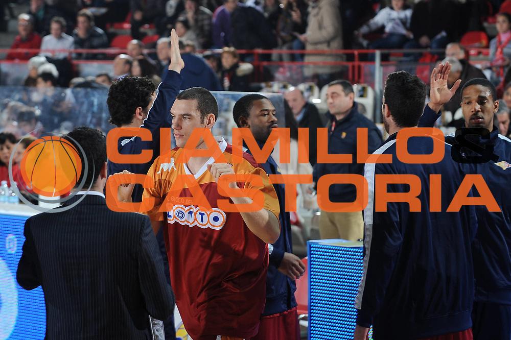 DESCRIZIONE : Varese Lega A 2009-10 Cimberio Varese Lottomatica Virtus Roma<br /> GIOCATORE : Andrea Crosariol<br /> SQUADRA : Lottomatica Virtus Roma<br /> EVENTO : Campionato Lega A 2009-2010 <br /> GARA : Cimberio Varese Lottomatica Virtus Roma<br /> DATA : 20/12/2009<br /> CATEGORIA : ritratto before<br /> SPORT : Pallacanestro <br /> AUTORE : Agenzia Ciamillo-Castoria/A.Dealberto<br /> Galleria : Lega Basket A 2009-2010 <br /> Fotonotizia : Varese Campionato Italiano Lega A 2009-2010 Cimberio Varese Lottomatica Virtus Roma<br /> Predefinita :