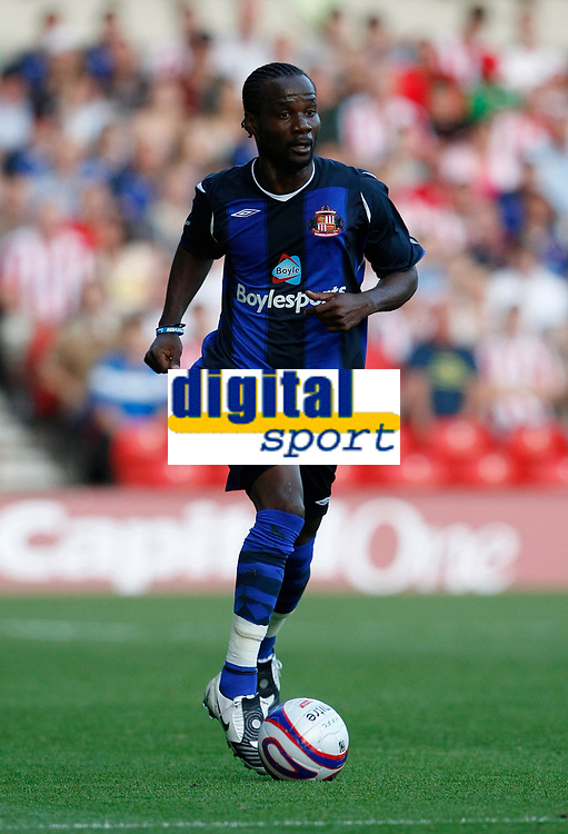 Photo: Steve Bond/Richard Lane Photography. Nottingham Forest v Sunderland. Pre Season Friendy. 29/07/2008. Pascal Chimbonda comes away with the ball