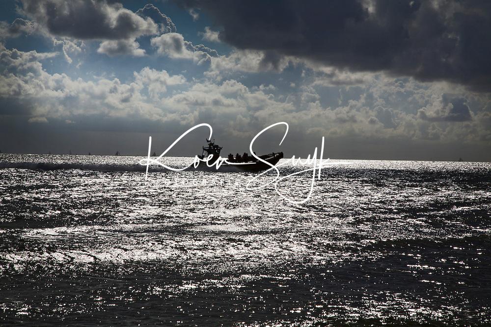 VLIELAND - Rondvaart over de Waddenzee met snelle boot. ANP COPYRIGHT KOEN SUYK