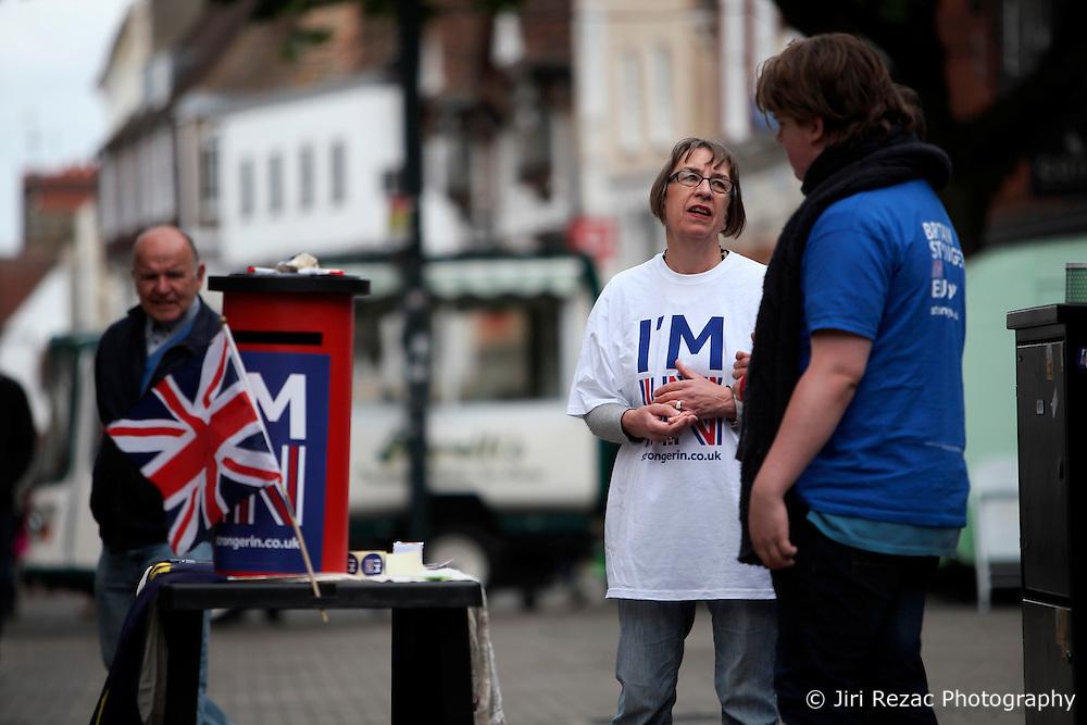 UK ENGLAND CANTERBURY 14MAY16 - The Vote Remain campaign stall with volunteer Dr Lynda Lich-Knight on Canterbury High Street.<br /> <br /> jre/Photo by Jiri Rezac<br /> <br /> © Jiri Rezac 2016