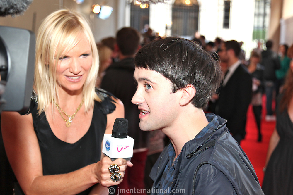 Jo Whiley and Villagers