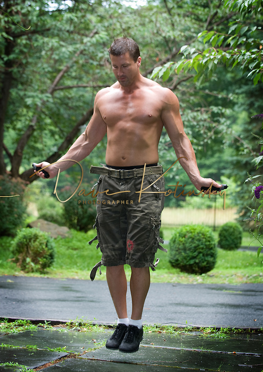 Fitness model jumping rope