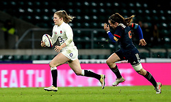 Lydia Thompson of England runs past Jade Le Pesq of France Women - Mandatory by-line: Robbie Stephenson/JMP - 04/02/2017 - RUGBY - Twickenham - London, England - England v France - Women's Six Nations