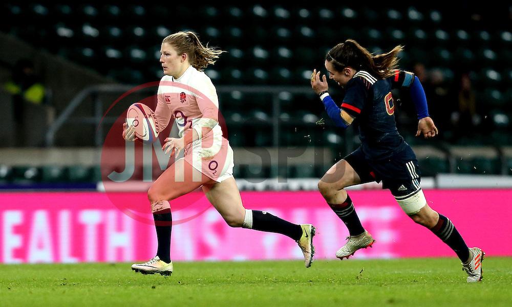 Lydia Thompson of England runs past Jade Le Pesq of France Women - Mandatory by-line: Robbie Stephenson/JMP - 04/02/2017 - RUGBY - Twickenham - London, England - England v France - Women's Six Nations