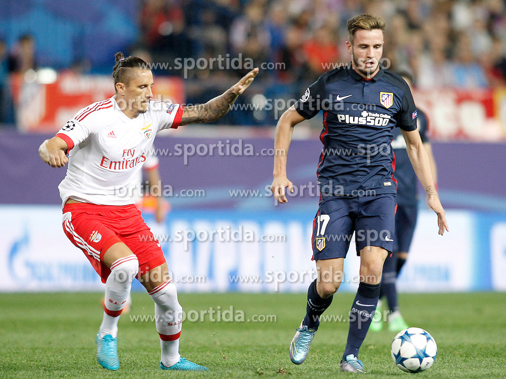 30.09.2015, Estadio Vicente Calderon, Madrid, ESP, UEFA CL, Atletico Madrid vs Benfica Lissabon, Gruppe C, im Bild Atletico de Madrid's Saul Niguez (r) and SL Benfica's Ljubomir Felsa // during UEFA Champions League group C match between Borussia Moenchengladbach and Manchester City at the Estadio Vicente Calderon in Madrid, Spain on 2015/09/30. EXPA Pictures &copy; 2015, PhotoCredit: EXPA/ Alterphotos/ Acero<br /> <br /> *****ATTENTION - OUT of ESP, SUI*****