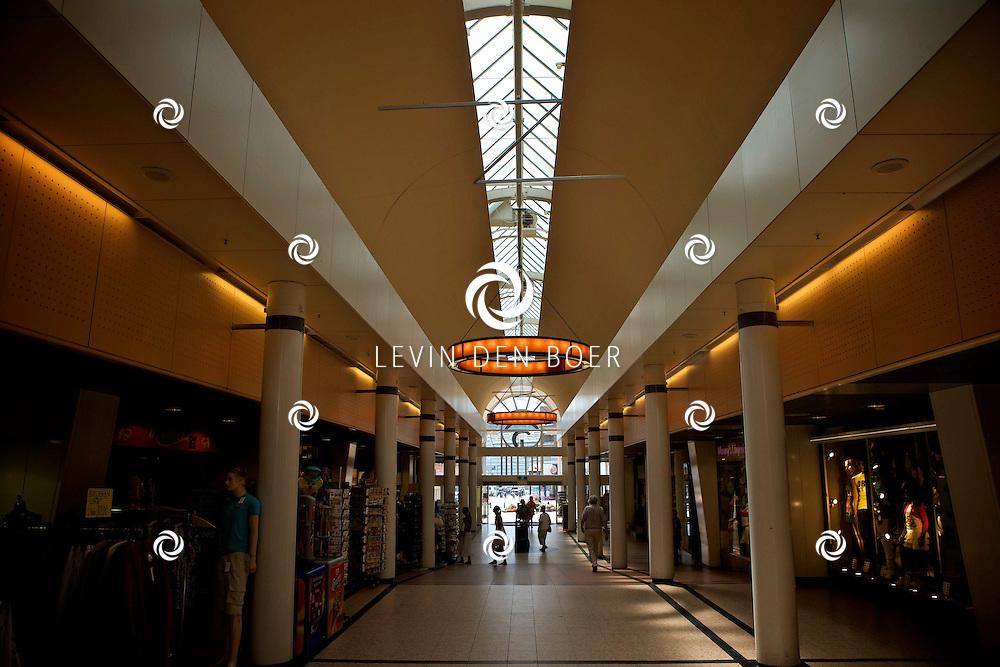 SCHEVENINGEN - In de zomer is de bekende badplaats Scheveningen een grote trekpleister. U kunt er winkelen, zonnen, wandelen. FOTO LEVIN DEN BOER - PERSFOTO.NU