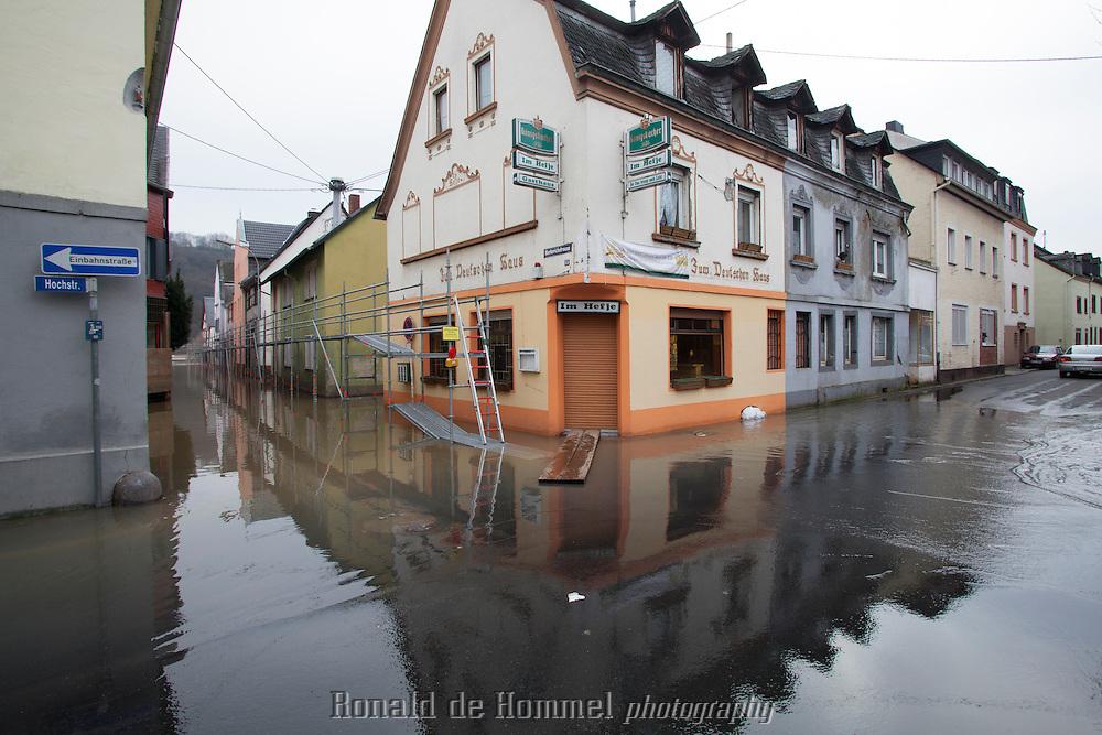 Koblenz, Duitsland, 10-01-2011. Overstroming door hoog water in de Rijn.  Foto: Johannes Abeling  ………  Germany, Koblenz, 2012-01-10. High water levels in the Rhine cause floodings in parts of Koblenz. Photo: Johannes Abeling