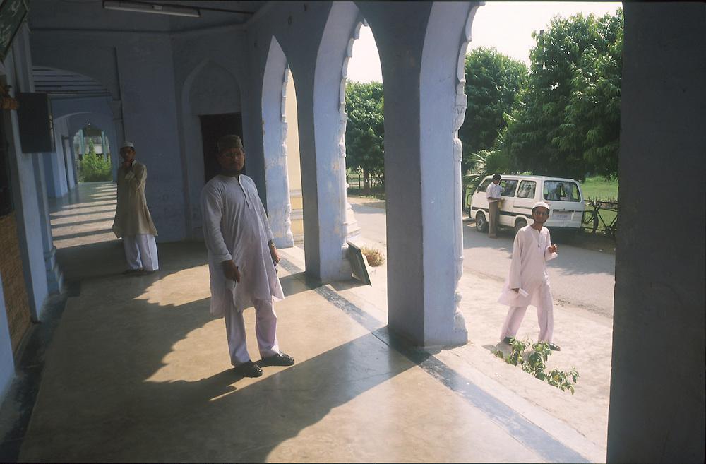 photo: Nadav Neuhaus.roots of the Taliban.India, October 2001..Darul-uloom-Nadwatul is based at Lucknow .Taliban students