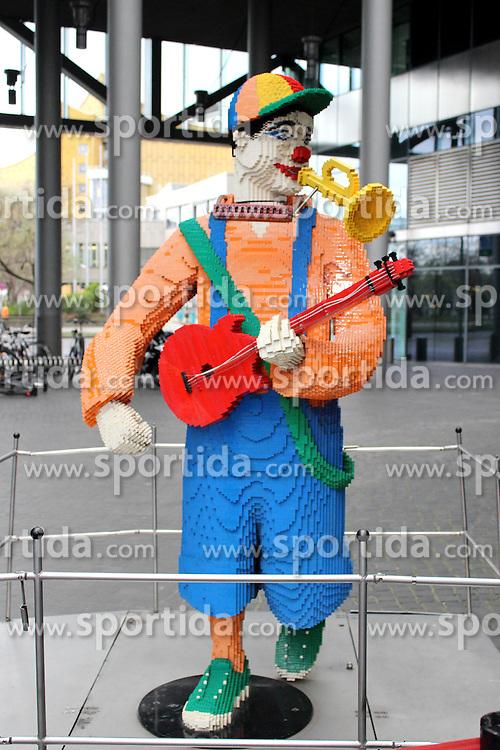 20.11.2015, Am Potsdamer Platz, Berlin, GER, Winterwunderland im LEGOLAND mit Ella Endlich, im Bild Saengerin Ella Endlich kuesst das weihnachtliche Winterwunderland im LEGOLAND wach. Das Miniland am Potsdamer Platz praesentiert im originalgetreuen Massstab 1:45 eine fantastische Lego- Weihnachtsszene mit vielen Datails, einer Weihnachtsmann- Werkstatt, einem Weihnachtsmarkt. Mit der Neuinterpretation *Kuess mich, halt mich, lieb mich* aus dem tschechisch- deutschem Maerchenfilm *Drei Haselnuesse fuer Aschenbroedel* kuesst Ella Endlich die Weihnachtswelt mit einem kleinen Schneesturm wach. Selbst die beruehmten 3 Haselnuesse wurden aus Legosteinen Gebaut. Ab Mitte November koennen Sie mit ihren Kindern im Legoland Discovery Centre Berlin das neue Winterwunderland in Berlin bestaunen. // Singer Ella Endlich kisses awake the Christmas Winter Wonderland at LEGOLAND. The Miniland at Potsdamer Platz presents the faithful scale of 1:45 a fantastic Lego Christmas scene with many Datails, a Santa Claus Workshop, a Christmas market. With the reinterpretation * kiss me, hold me, love me * from the Czech-German Maerchenfilm * Three hazelnuts for Cinderella kisses * Ella Endlich the Christmas world with a small snowstorm awake. Even the famous 3 Haselnuesse were built of Lego bricks. From mid-November you can admire with their children in the Legoland Discovery Centre Berlin, the new Winter Wonderland in Berlin. Am Potsdamer Platz in Berlin, Germany on 2015/11/20. EXPA Pictures &copy; 2015, PhotoCredit: EXPA/ Eibner-Pressefoto/ Katz<br /> <br /> *****ATTENTION - OUT of GER*****