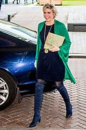 ROTTERDAM - Prinses Laurentien samne met paul de leeuw ontmoet de TaalHelden benoemd door de Stichting Lezen & Schrijven tijdens het International Film Festival Rotterdam (IFFR). ANP ROYAL IMAGES ROBIN UTRECHT