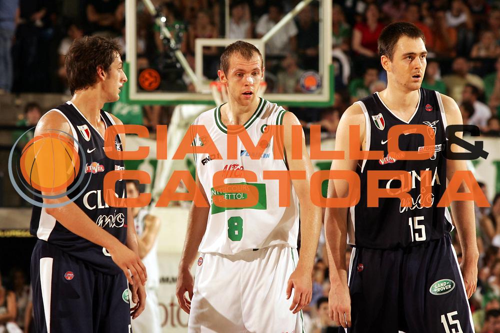 DESCRIZIONE : Treviso Lega A1 2005-06 Play Off Finale Gara 4 Benetton Treviso Climamio Fortitudo Bologna <br /> GIOCATORE : Santangelo <br /> SQUADRA : Benetton Treviso <br /> EVENTO : Campionato Lega A1 2005-2006 Play Off Finale Gara 4 <br /> GARA : Benetton Treviso Climamio Fortitudo Bologna <br /> DATA : 20/06/2006 <br /> CATEGORIA : Ritratto <br /> SPORT : Pallacanestro <br /> AUTORE : Agenzia Ciamillo-Castoria/P.Lazzeroni