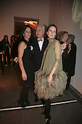 Amanda Harlech, Manolo Blahnik  and Lucy Ferry, Vogue 90th birthday party and to celebrate the Vogue List, Serpentine Gallery. London. 8 November 2006. ONE TIME USE ONLY - DO NOT ARCHIVE  © Copyright Photograph by Dafydd Jones 66 Stockwell Park Rd. London SW9 0DA Tel 020 7733 0108 www.dafjones.com