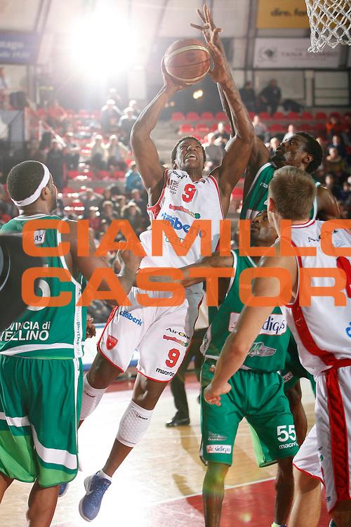 DESCRIZIONE : Varese Campionato Lega A 2011-12 Cimberio Varese Sidigas Avellino<br /> GIOCATORE : Yakhouba Diawara<br /> CATEGORIA : Tiro Super<br /> SQUADRA : Cimberio Varese<br /> EVENTO : Campionato Lega A 2011-2012<br /> GARA : Cimberio Varese Sidigas Avellino<br /> DATA : 11/01/2012<br /> SPORT : Pallacanestro<br /> AUTORE : Agenzia Ciamillo-Castoria/G.Cottini<br /> Galleria : Lega Basket A 2011-2012<br /> Fotonotizia : Varese Campionato Lega A 2011-12 Cimberio Varese Sidigas Avellino<br /> Predefinita :
