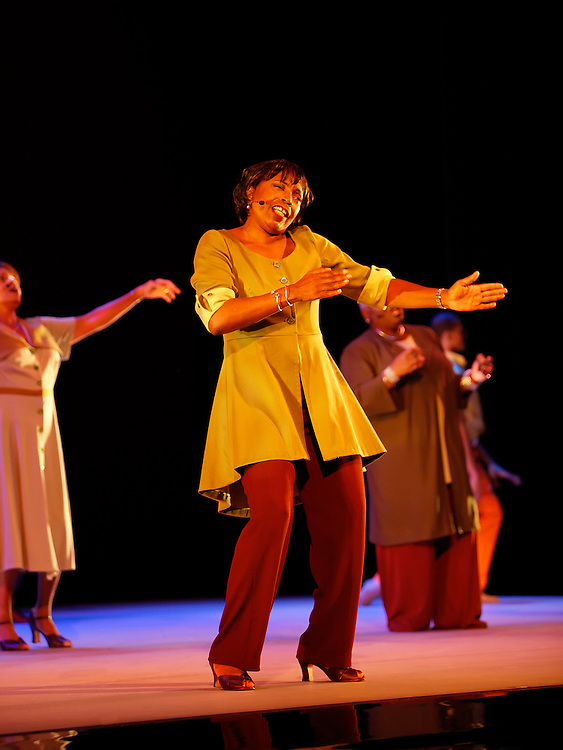 Go In Grace.w/ Sweet Honey In The Rock.Choreography:  Hope Boykin.Alvin Ailey - American Dance Theater.9/04/08.212.362.7778 .studio@paulkolnik.com.www.paulkolnik.com